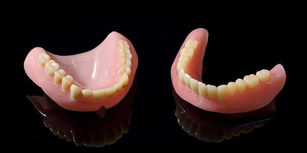 総入れ歯について